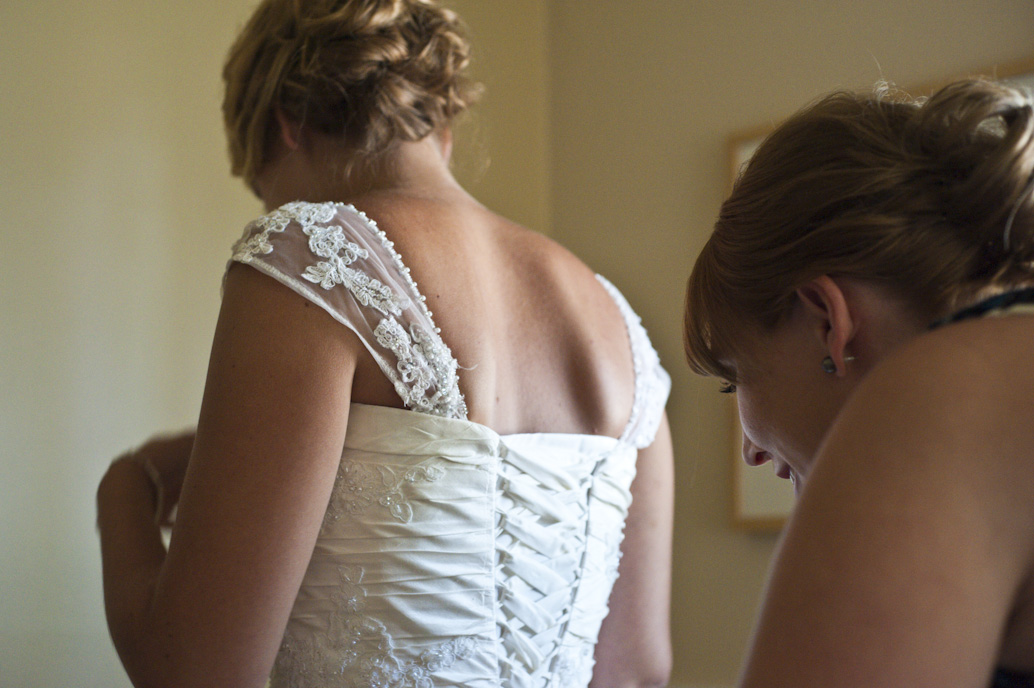 Bride getting ready in Pincourt.